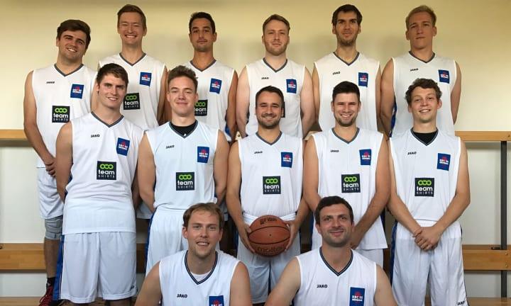 L'équipe du BBC 90 Köpenick et leurs maillots de basket personnalisés